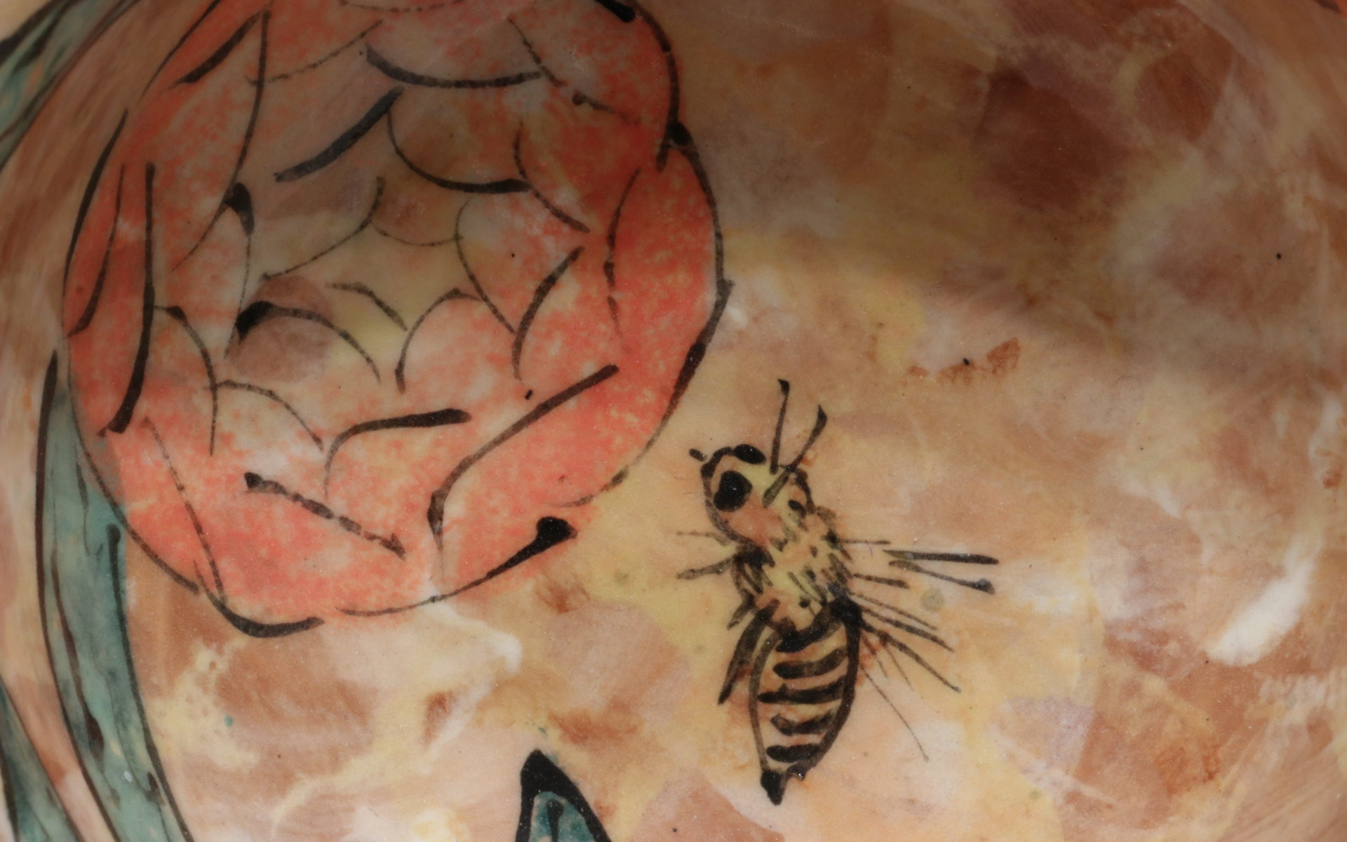 bee earthenware